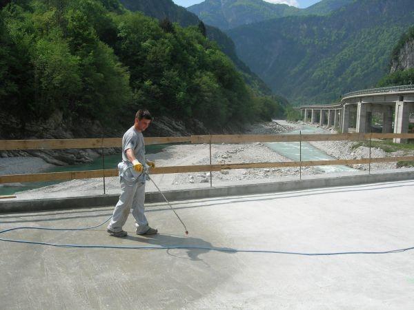 Kako trajno zaščititi betonske površine?